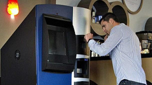 Instalan el primer cajero de los 'curiosos' Bitcoins en el mundo...y a ver qué pasa