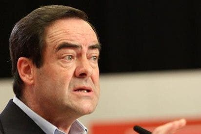 """Bono, a lo Guerra, dice que el PSOE debe plantearse """"muy en serio"""" su situación en Cataluña"""