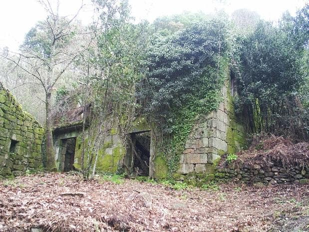 ¿Quiere ser el dueño de una aldea gallega sin soltar ni un céntimo? ¡Hecho!