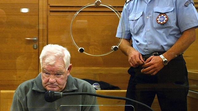 Muere el 'amable' chófer que resultó ser el mayor asesino en serie de Francia