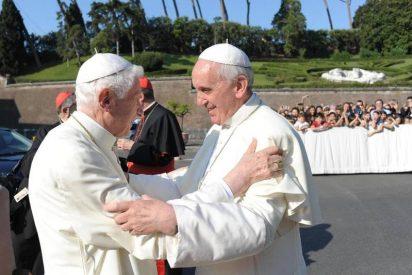 Francisco reivindica la obra teológica de Benedicto XVI