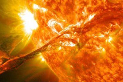 [Vídeo] El Sol nos apunta con un 'cañón de fuego' 25 veces más grande que la Tierra