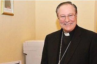 El obispo de Palencia denuncia sufrir acoso informático y telefónico