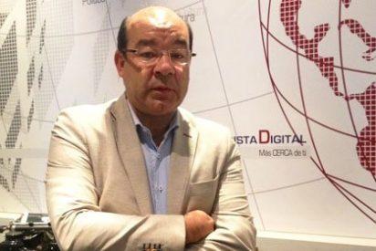 """[VÍDEO ENTREVISTA] Ángel Expósito: """"¿Por qué se suprimió la prensa del Estado y en cambio se mantiene una agencia, televisión y radio del Estado?"""""""