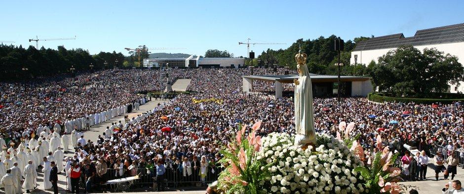 Benedicto XVI rezará mañana ante la imagen de la Virgen de Fátima