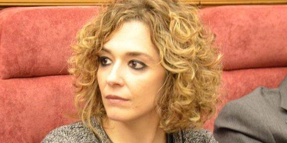 La socialista Beatriz Labián toma posesión de su escaño en las Cortes