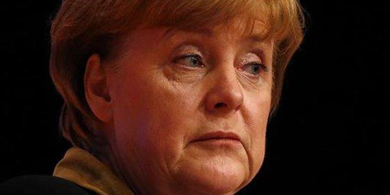 EEUU se atrave con todo: espió el teléfono móvil de Merkel hasta el mes de julio