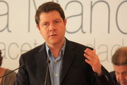 Page hipoteca el futuro del PSOE en la región al tiempo que se le acaba el discurso