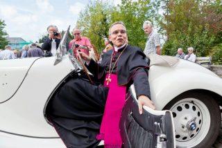 """Zollitsch espera una """"solución pronta y buena"""" en el caso del obispo despilfarrador"""