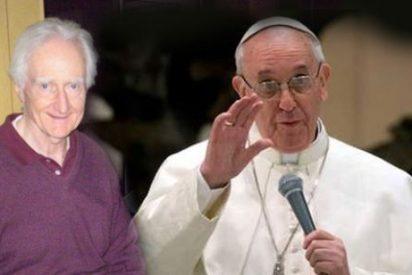 El Papa se encuentra con uno de los jesuitas torturados por Videla