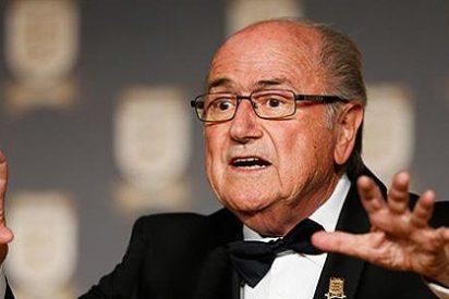 ¿Es suficiente la disculpa del 'payaso' Joseph Blatter o hay que echarlo de la FIFA?