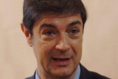 Ávila, de los nervios, no duda en cargar contra sindicatos y periodistas