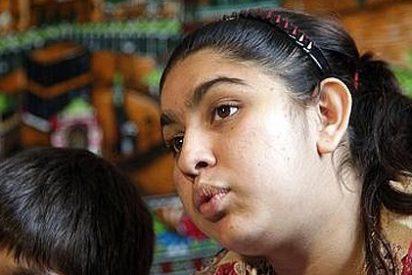 Francia permite volver a la niña gitana pero no a su familia