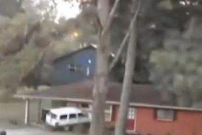 [Vídeo] El marido destruye su casa con el coche en un feroz 'ataque de cuernos'