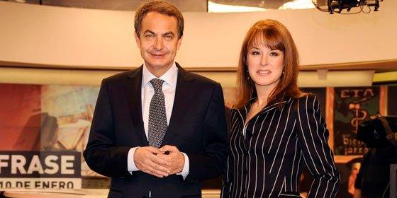 """Gloria Lomana: """"El más eficaz para colocar su propaganda ha sido Zapatero...hasta que llegó la crisis y ya no hubo eslogan que valiera"""""""