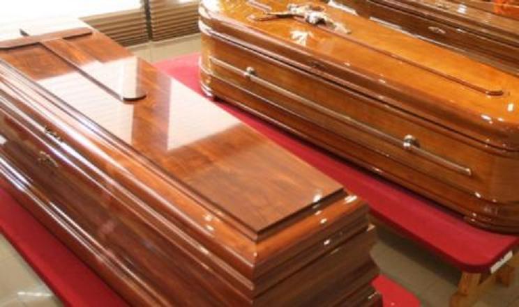 Ya podemos morirnos tranquilos: La EFM congela las tarifas de los servicios funerarios y del cementerio