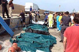 Cientos de inmigrantes ilegales mueren al incendiarse un barco en Lampedusa