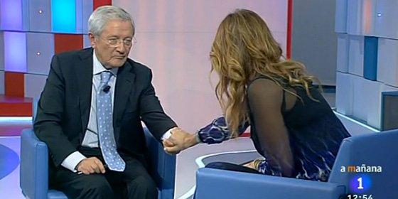 """Momento 'Sexto Sentido' de Mariló con Ónega por el libro sobre Suárez: """"Tocar tu mano es como tocar la de Adolfo"""""""