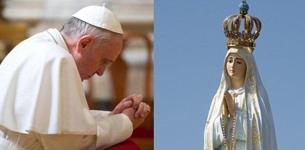 El papa Francisco le confía el mundo a María