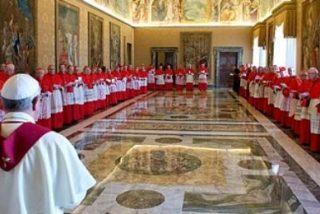 Francisco convoca a los cardenales de todo el mundo para explicarles sus reformas