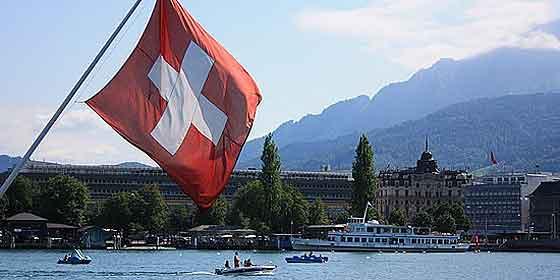 Los suizos votan para otorgarse un sueldo de 2.000 € de por vida aunque no den golpe