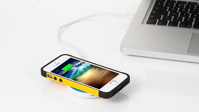 Llega el cargador inalámbrico para iPhone tan fino como una lámina de plástico