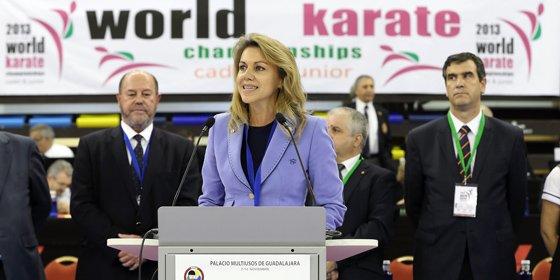 Cospedal traslada la hospitalidad de toda la región a los 1.500 karatecas de todo el mundo congregados en Guadalajara