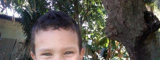 Muere un niño de seis años tras coger una feroz borrachera de ron en plena calle