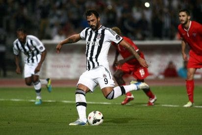 Hugo Almeida, opción a la delantera del Atlético