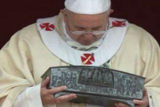 """Francisco: """"Cristo es el centro del pueblo de Dios y hoy, está aquí, en medio de nosotros"""""""
