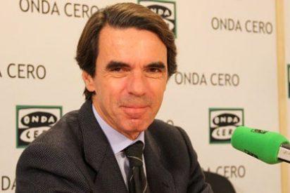 Aznar hace un guiño a Rajoy elogiando la reforma laboral