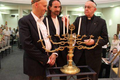 """Francisco, entre los """"50 judíos el año"""""""