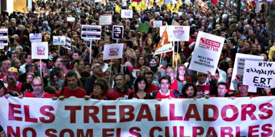 Protesta multitudinaria en Valencia contra el cierre de RTVV y contra el PP