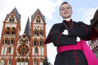 """La Fiscalía archiva el proceso contra el obispo """"despilfarrador"""" de Limburgo"""