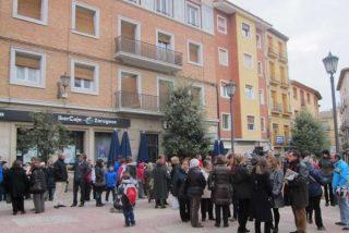 Ciudadanos de Borja se concentran para apoyar al sacerdote detenido