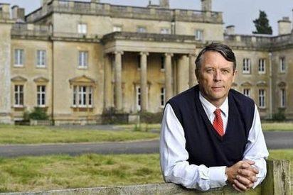 El arruinado conde que vive en una mansión de 100 habitaciones y se ducha en los baños públicos
