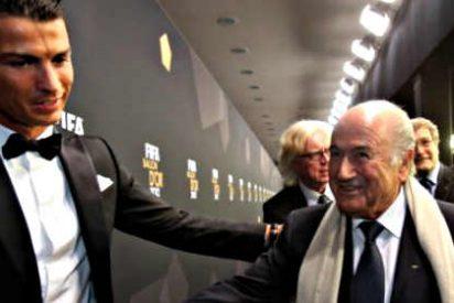 El 'Chiquilicuatre' Blatter se convierte en entusiasta pelotillero de Cristiano Ronaldo