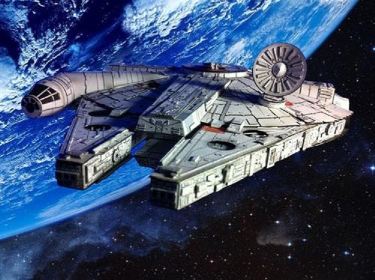 El Halcón Milenario entorna las alas para volar en el Episodio VII de 'Star Wars'