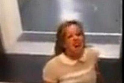 """[Vídeo] La borrachera de una 'endemoniada' en el aeropuerto: """"Andá a cagar con la policía"""""""