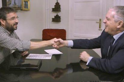 Évole no quiere que le tachen de 'anti-PP' y le mete una cornada a IU por el vergonzoso 'caso Camas'