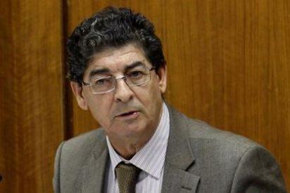 Andalucía crea precedente al garantizar por ley agua y luz a preceptores del salario social