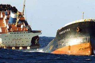 El desastre del Prestige que asoló la costa gallega se queda sin castigo