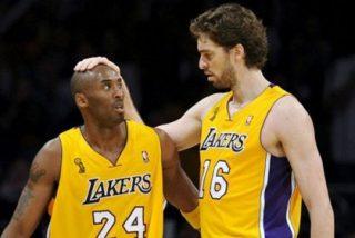 La estrella de los Lakers renueva