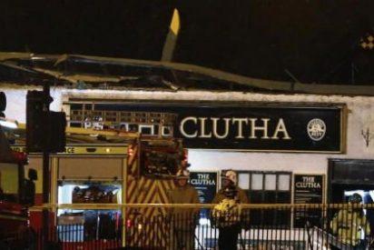 Al menos ocho muertos al caer un helicóptero de la policía sobre un pub de Glasgow