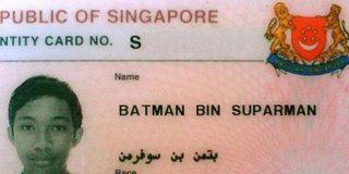 Batman en prisión por robar y ponerse ciego como un murciélago tomando drogas