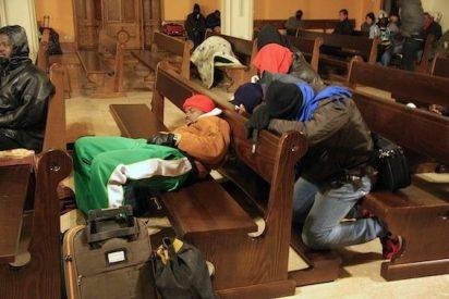 """Temporeros """"ocupan"""" una iglesia de Úbeda para no dormir en la calle"""