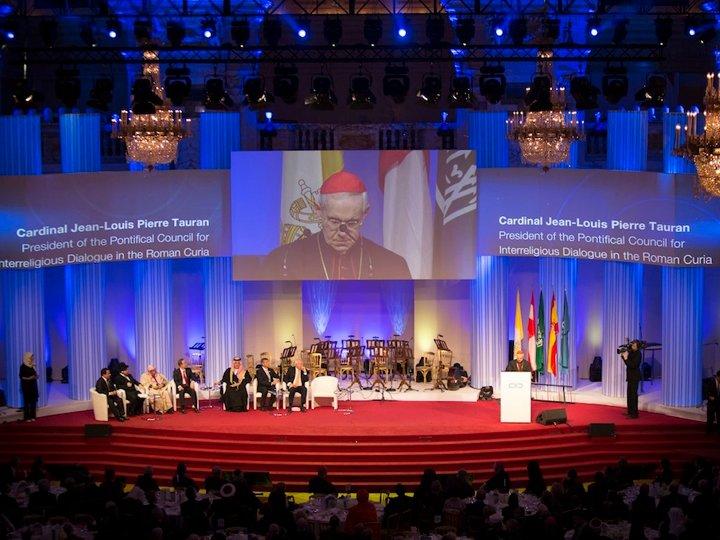 """Cardenal Tauran: """"La diversidad religiosa es una riqueza, no una amenaza"""""""