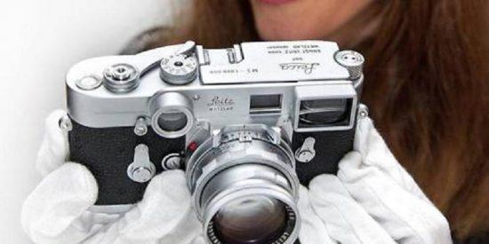 La cámara número un millón de Leica vendida al mejor postor por más de un millón de dólares