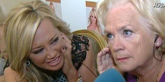 """La desesperada encerrona de J.J. Vázquez a la madre de Belén Esteban en directo: """"No voy a aceptar que salgas en 'Abre los ojos y mira' y no en el 'Deluxe'"""""""
