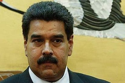 Maduro prohibe a los venezolanos cobrar en dólares y regula los alquileres comerciales